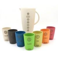 7 Chakra-Cups mit Krug aus Bambus und Mais